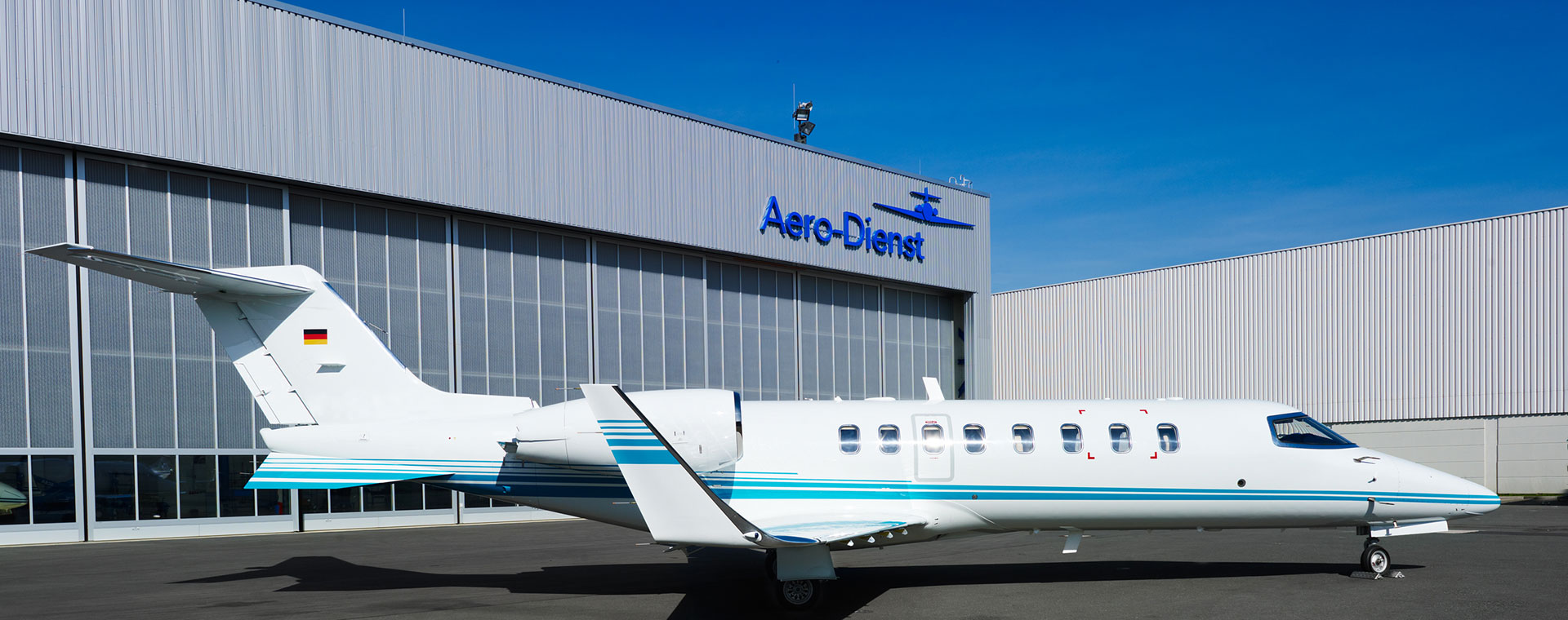 [Translate to Deutsch:] Aero-Dienst Learjet 45XR sideview