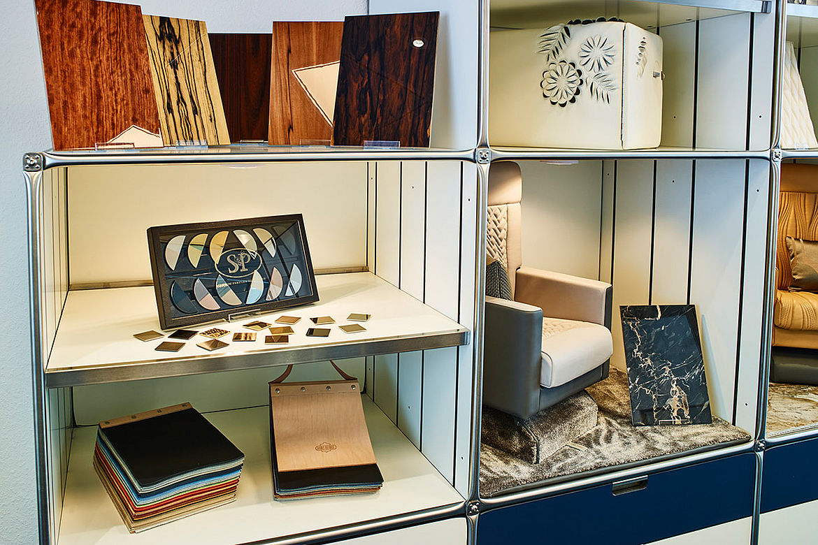 Aero-Dienst opens interior showroom, display shelve